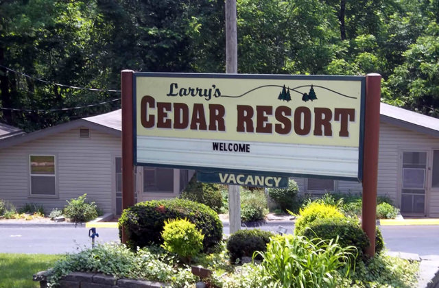 Larry's Cedar Resort
